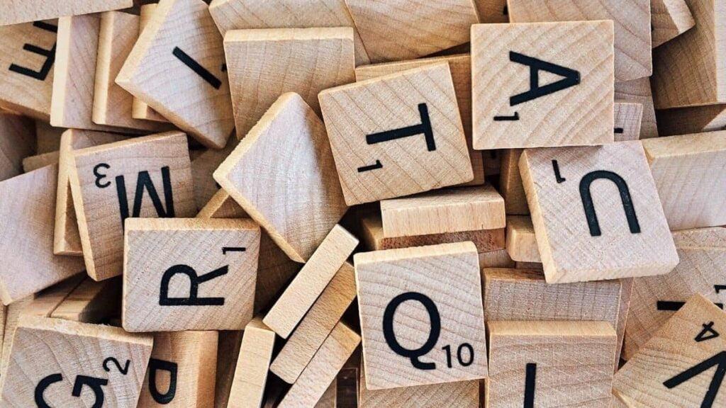 Is het nu vind of vindt Werkwoordspelling
